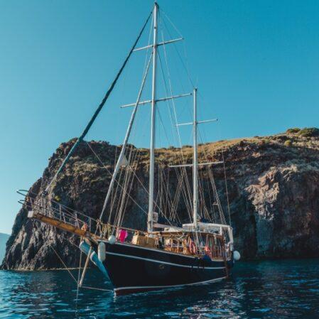 Altinlar 2_800 noleggio barca a vela eolie